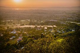 Photo Sunset depuis Mandalay hill • Myanmar